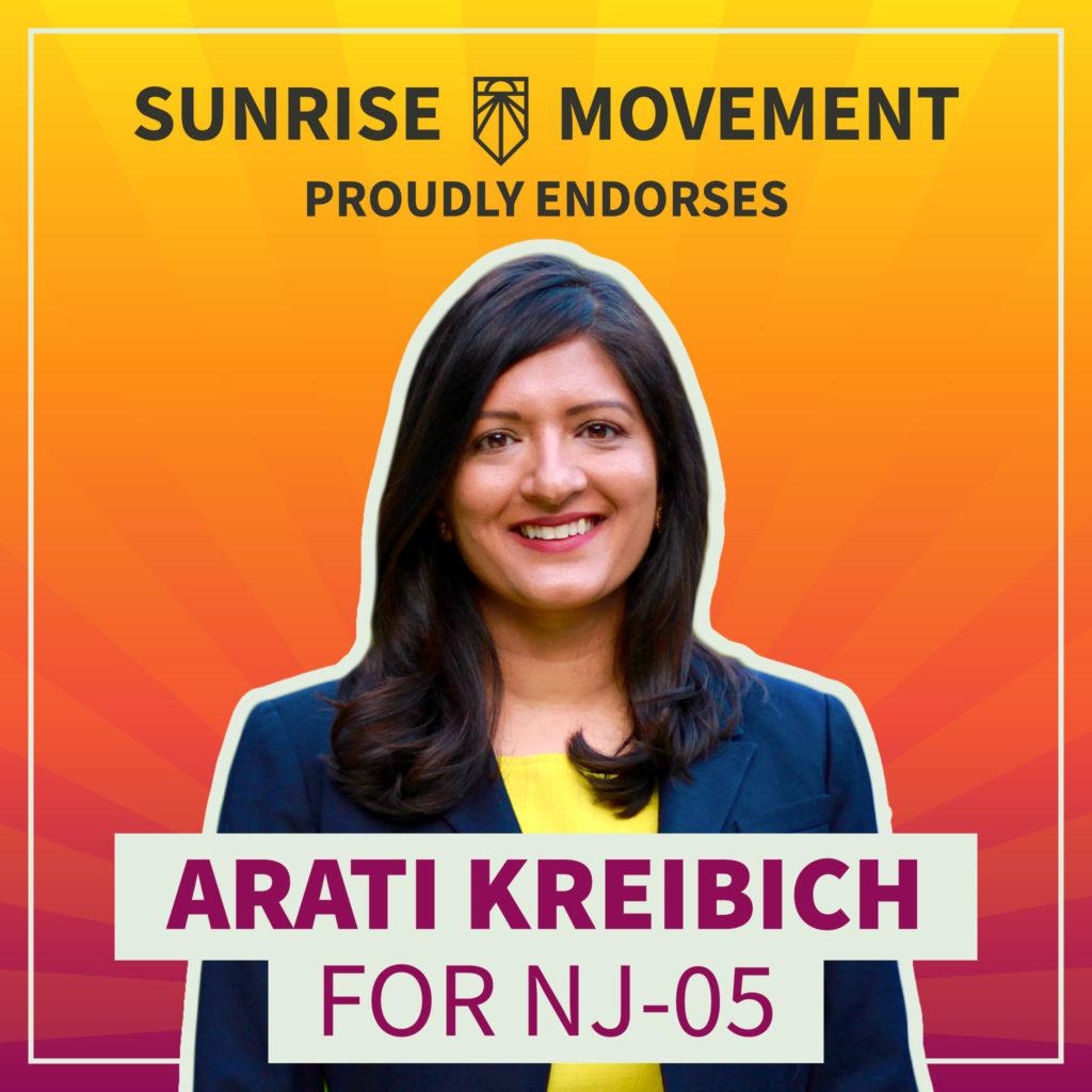 Una foto de Arati Kreibich con texto: Sunrise Movement respalda con orgullo a Arati Kreibich para NJ-05