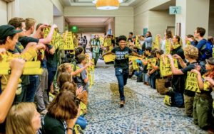 Sunrisers rally for a Green New Deal